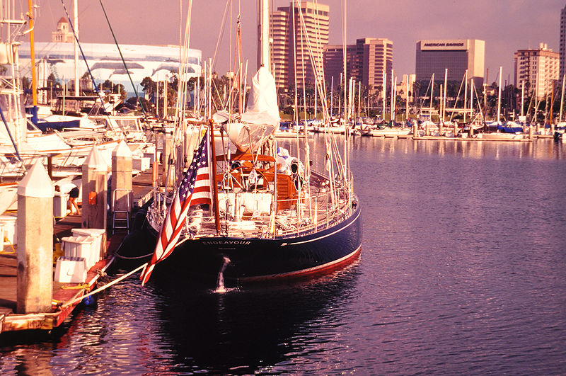 File:800px-Yacht endeavour B photo by d ramey logan.jpg